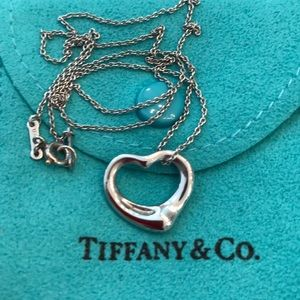 Tiffany & Co. Plat. Peretti Open Heart Necklace